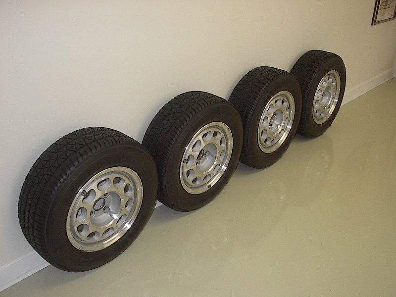 DC_SSP_Wheels_Tires.JPG (74735 bytes)