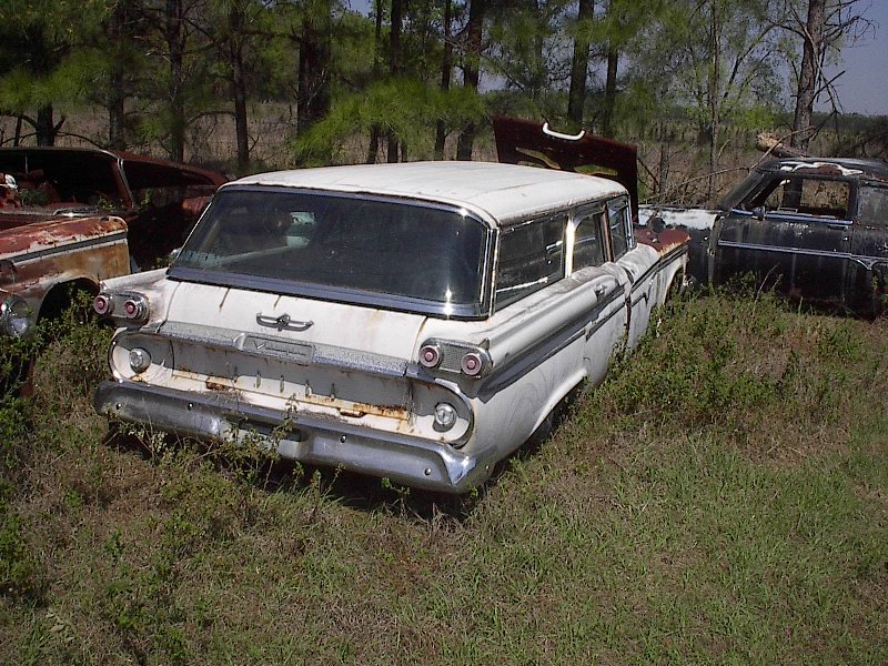 http://www.sspmustang.org/images/Edsel_wagon_at_OldGold.JPG