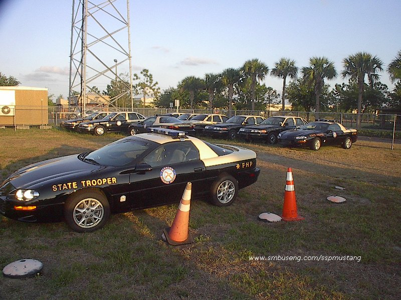 FHP_2002_B4C_Camaro_at_Troop_C_11.jpg (159094 bytes)