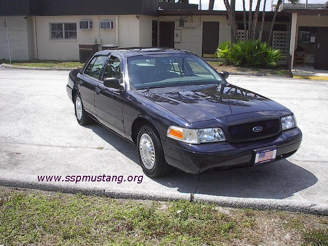 FHP_unmarked_blue_2002_Crown_Vic.JPG (118358 bytes)