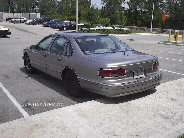 FHP_unmarked_gray_LT1_Caprice_at_troop_K_2.JPG (93740 bytes)